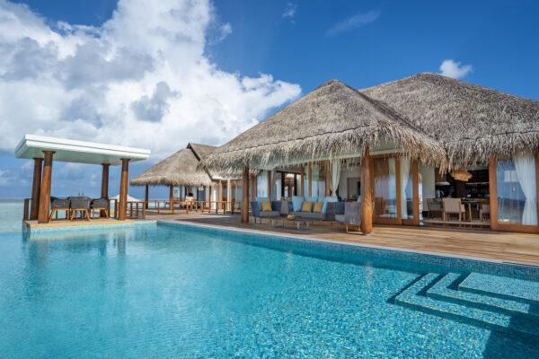 Insel-seite-Anantara-Kihavah-Maldives-Villas-zimmerkategorien-Two-Bedroom-Over-Water-Pool-Residence-maledivenexperte-03