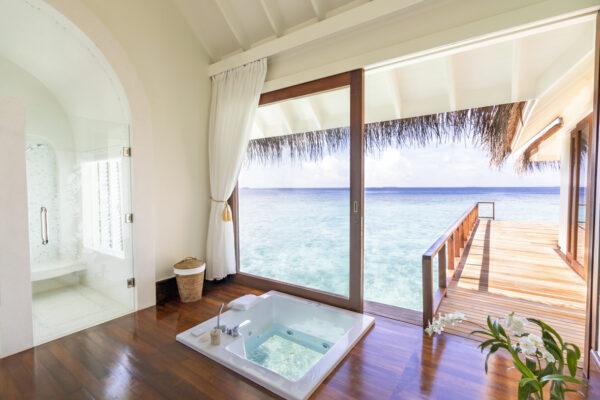 Insel-seite-Anantara-Kihavah-Maldives-Villas-zimmerkategorien-Two-Bedroom-Over-Water-Pool-Residence-maledivenexperte-09