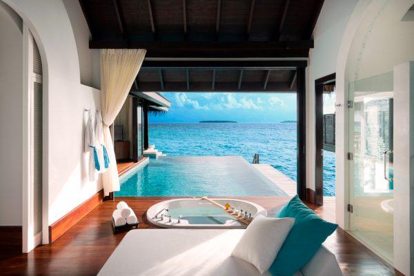 insel-seite-Anantara-Kihavah-zimmerkategorien-Sunset-Over-Water-Pool-Villa-maledivenexperte-1