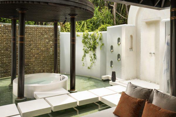 insel-seite-anantara-kihavah-beach-villa-bathroom-01-Maledivenexperte