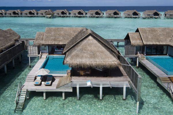 insel-seite-anantara-kihavah-over-water-villas-Maledivenexperte