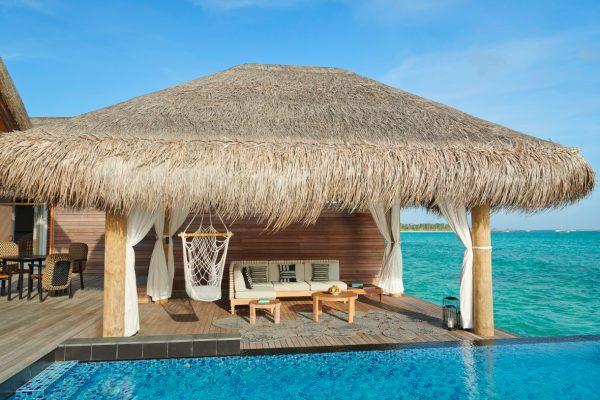 insel-seite-fairmont-maldives-3-bedroom-water-sunset-villa-04-Maledivenexperte