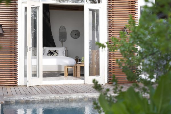 insel-seite-fairmont-maldives-beach-villa-deluxe-exterior-detail-Malediveneperte