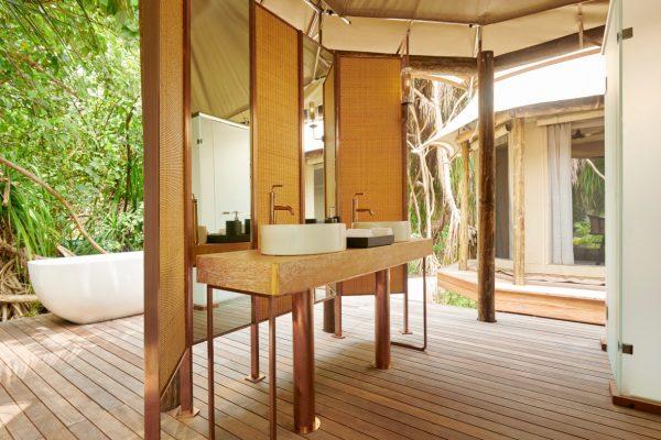 insel-seite-fairmont-maldives-tented-jungle-villa-02-Maldivenexperte