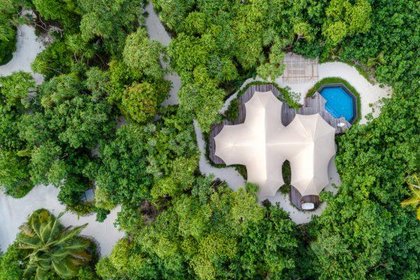 insel-seite-fairmont-maldives-tented-jungle-villa-06-Maldivenexperte