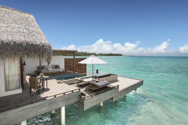 insel-seite-fairmont-maldives-water-villa-exteriors-Maledivenexperte