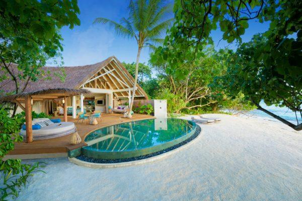 insel-seite-milaidhoo-island-beach-pool-villa-03-Maledivenexperte