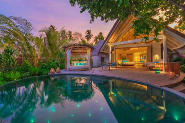insel-seite-milaidhoo-island-beach-pool-villa-04-Maledivenexperte
