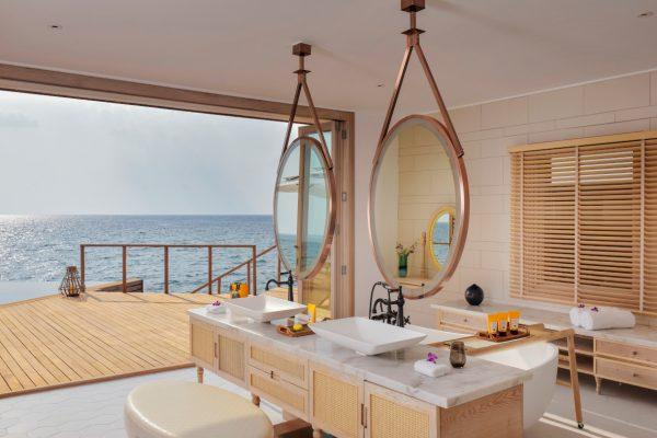 insel-seite-milaidhoo-island-ocean-residence-bathroom-Maledivenexperte