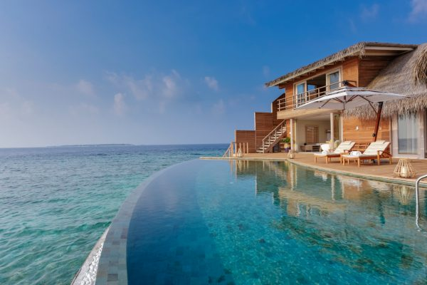 insel-seite-milaidhoo-island-ocean-residence-deck-01-Maledivenexperte