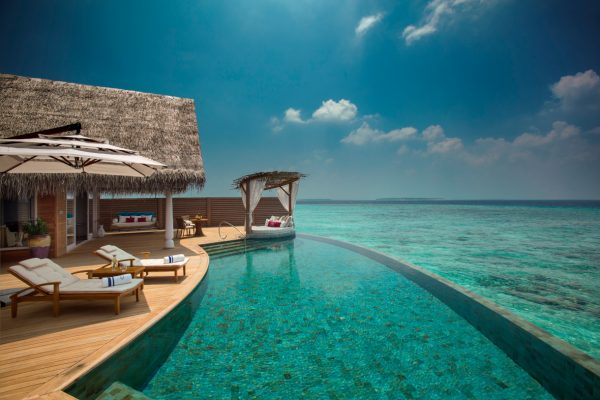 insel-seite-milaidhoo-island-ocean-residence-deck-02-Maledivenexperte