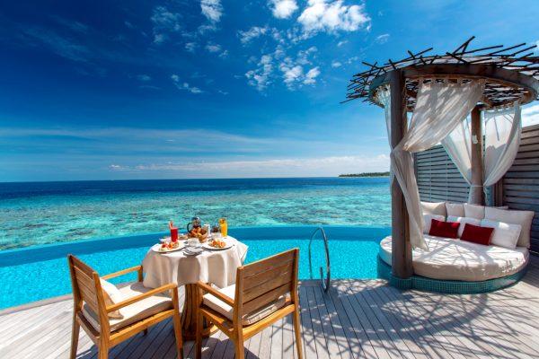 insel-seite-milaidhoo-island-water-pool-villa-exterior-06-Maledivenexperte
