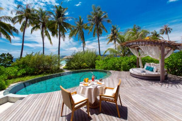 insel-seite-milaidhoo-island-zimmer-beach-pool-villa-03