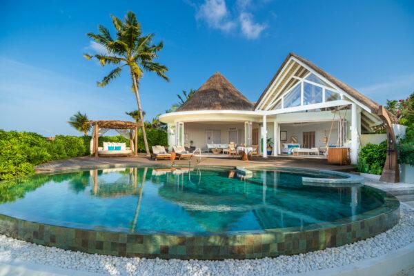 insel-seite-milaidhoo-island-zimmer-beach-residence-02