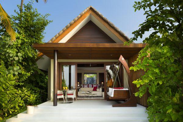 insel-seite-niyama-private-island-beach-villa-exterior-Maledivenexperte