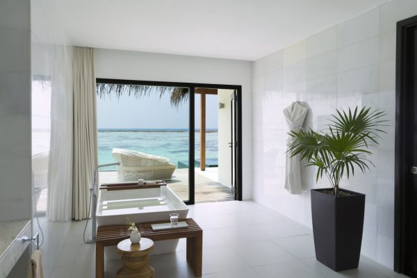 insel-seite-niyama-private-island-one-bedroom-water-pool-pavilion-bathroom-Maledivenexperte