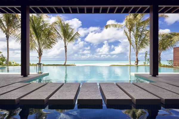 insel-seite-niyama-private-island-three-bedroom-beach-pool-pavilion-view-Maledivenexperte