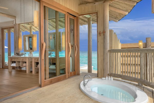 insel-seite-soneva-fushi-1-bedroom-water-retreat-rutsche-02