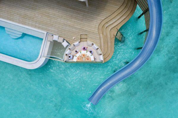 insel-seite-soneva-fushi-2-bedroom-water-retreat-rutsche-04