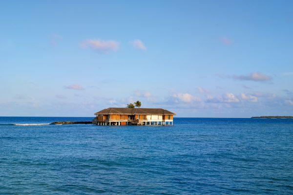 insel-seite-velaa-private-island-romantic-pool-residence-01-Maledivenexperte