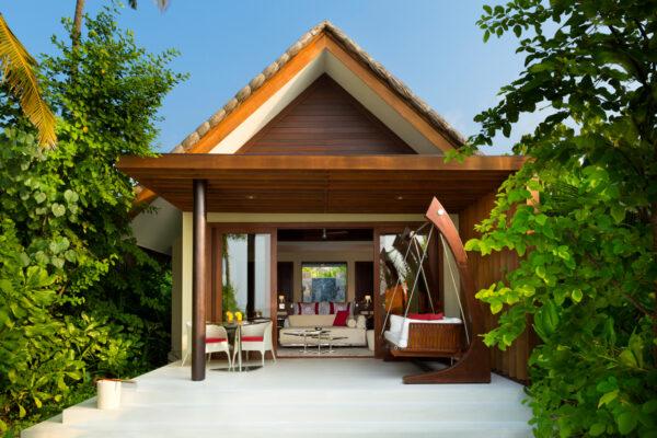 inselseite-niyama-private-island-maldives-zimmer-beach-villa-01