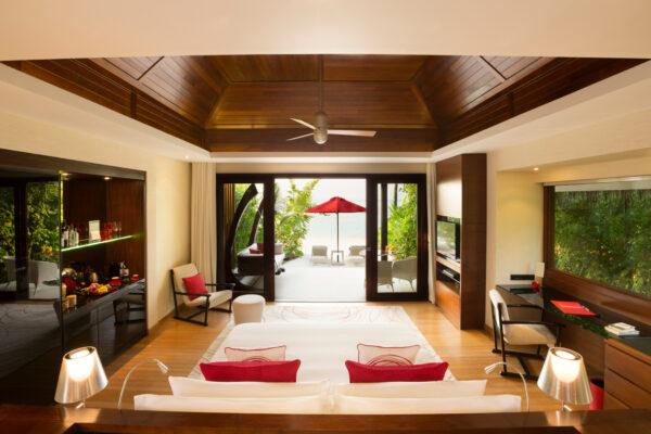 inselseite-niyama-private-island-maldives-zimmer-beach-villa-02