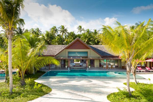 inselseite-niyama-private-island-maldives-zimmer-three-bedroom-beach-pool-pavilion-02
