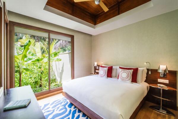 inselseite-niyama-private-island-maldives-zimmer-three-bedroom-beach-pool-pavilion-04