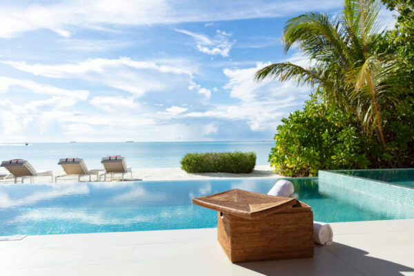inselseite-niyama-private-island-maldives-zimmer-two-bedroom-beach-pool-pavilion-01
