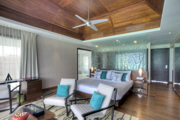 inselseite-niyama-private-island-maldives-zimmer-water-pool-villa-02