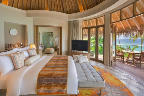 insel-seite-the-nautilus-unterkunft-Beach-Residence-with-Pool-maledivenexperte-03