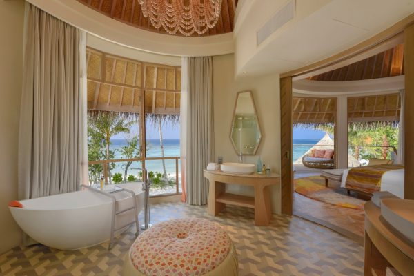 insel-seite-the-nautilus-unterkunft-Beach-Residence-with-Pool-maledivenexperte-04