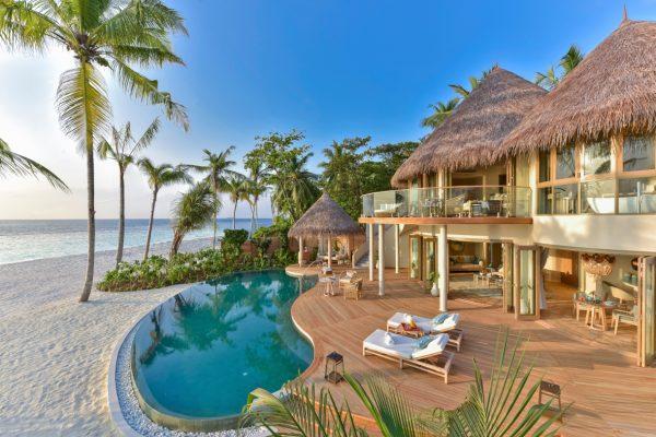 insel-seite-the-nautilus-unterkunft-Beach-Residence-with-Pool-maledivenexperte-05