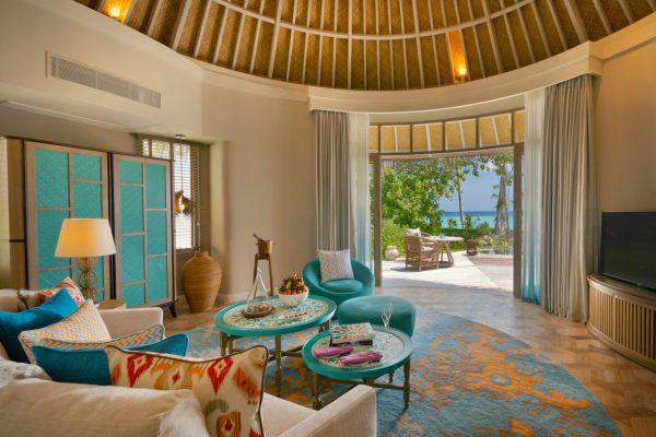 insel-seite-the-nautilus-unterkunft-beach-house-with-pool-maledivenexperte-01