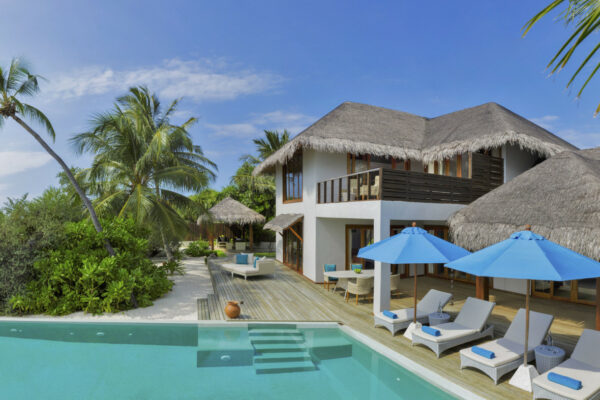insel-seite-dusit-thani-maldives-2-bedroom-beach-residence-with-pool-01