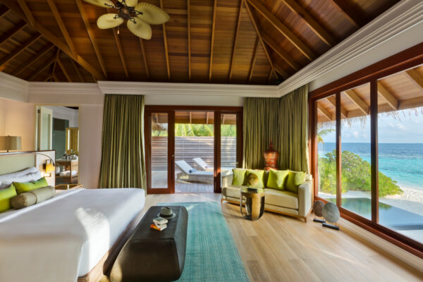insel-seite-dusit-thani-maldives-three-bedroom-beach-residence-03-Maledivenexperte