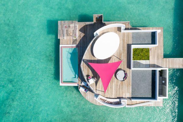 insel-seite-lux-north-male-atoll-watervilla-01-Maledivenexperte