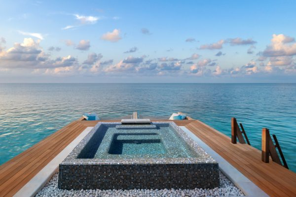 waldorf-astoria-maldives-ithaafushi-two-and-three-bedroom-reef-and-overwater-villa-jacuzzi-Maledivenexperte