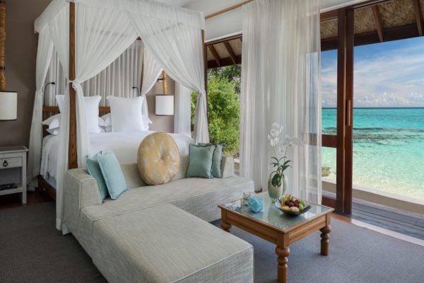 insel-seite-four-seasons-landaa-giraavaru-zimmer-three-bedroom-land-ocean-suite-maledivenexperte-02