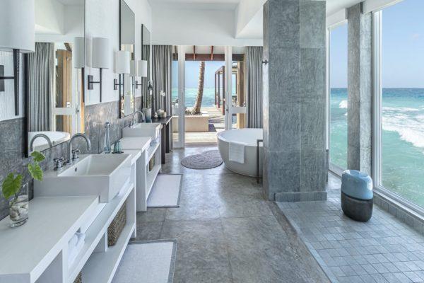 insel-seite-four-seasons-landaa-giraavaru-zimmer-three-bedroom-water-suite-maledivenexperte-03