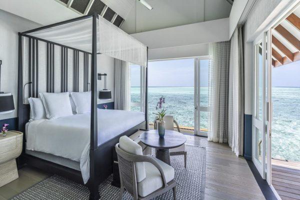 insel-seite-four-seasons-landaa-giraavaru-zimmer-three-bedroom-water-suite-maledivenexperte-04