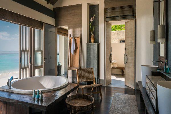 insel-seite-zimmerkategorie-three-bedroom-beach-villa-maledivenexperte