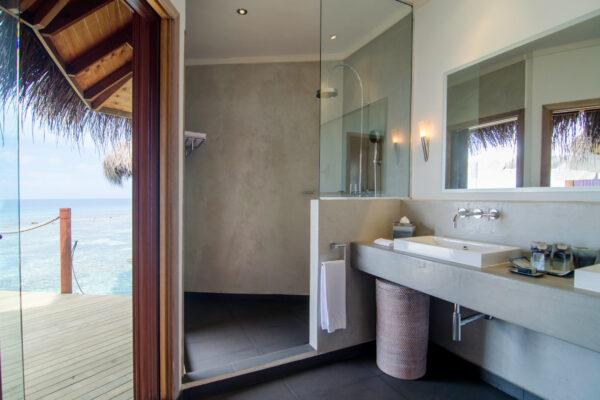 insel-seite-mihiri-island-resort-zimmerkategorien-water-villa-02